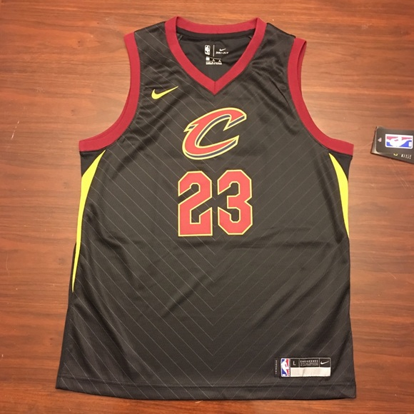 """separation shoes 2ee80 03495 NWT Cleveland Cavs """"Lebron James"""" Youth Jersey NWT"""